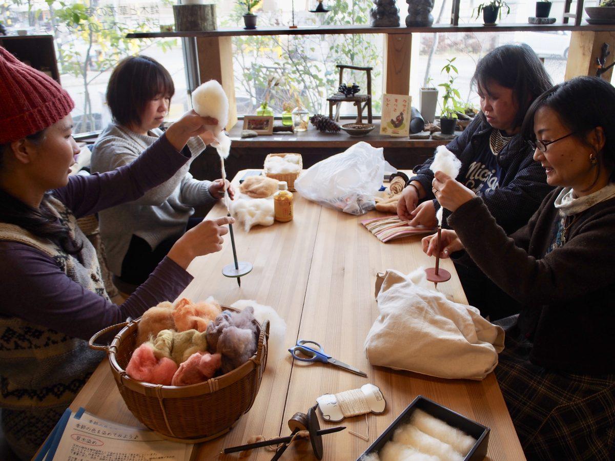 今年最初の糸紡ぎWSが開催されました