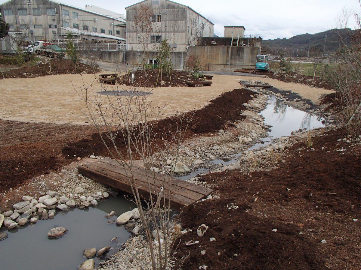 tamaki niime(西脇市) の工場、店舗の裏のお庭施工